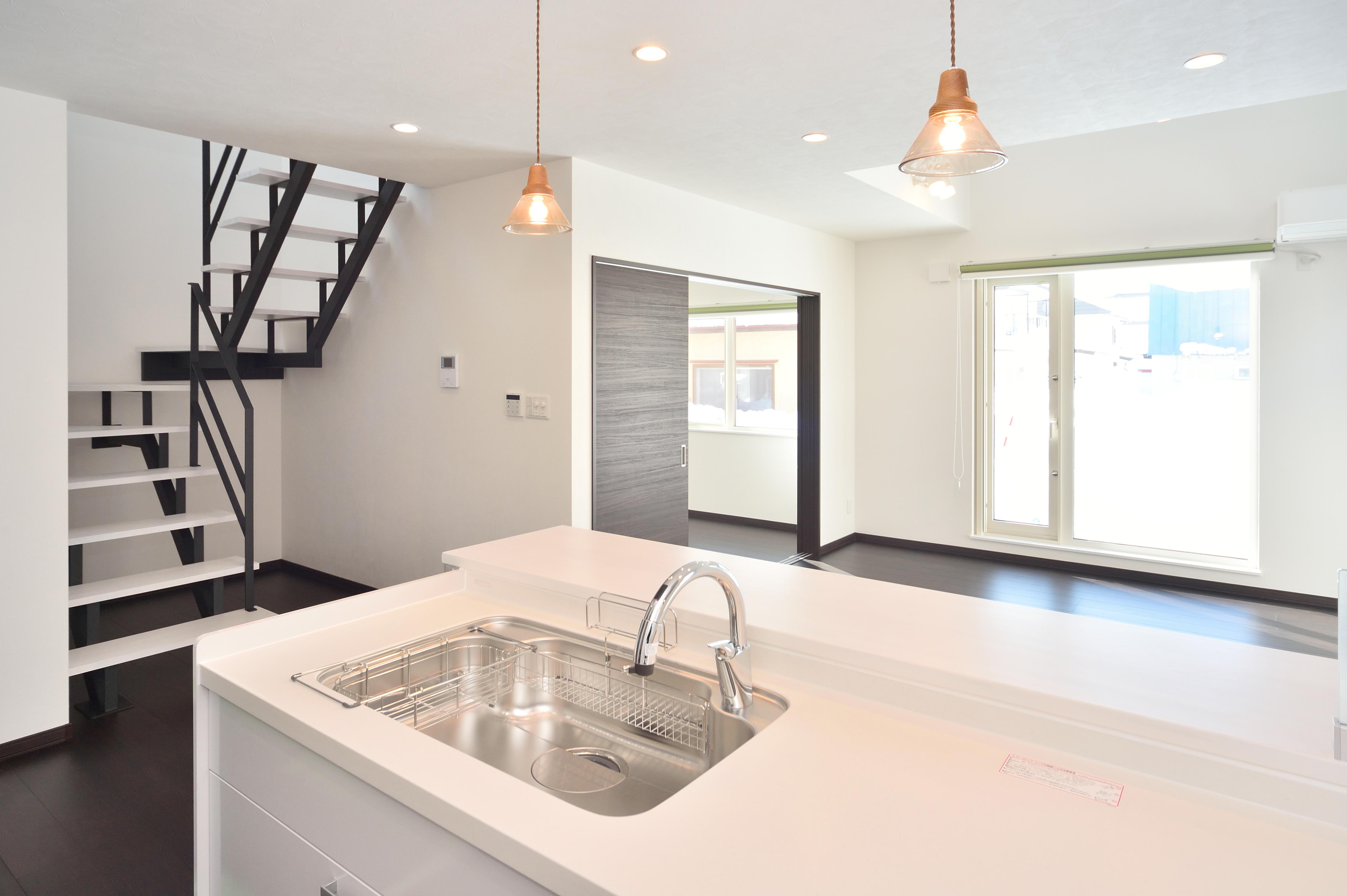 モダンでコンパクト。デザインと住環境、そして価格の条件を満たす新築住宅